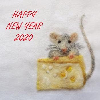 2020年仕事はじめ。今日の羊毛刺しゅう「チーズに目がない ネズミ」_d0055515_22571324.jpg