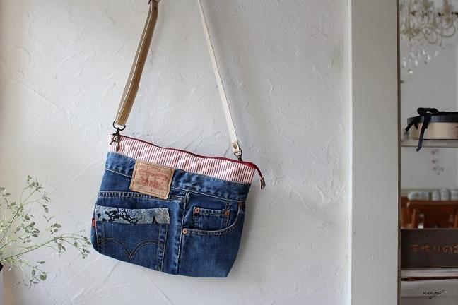 ブティック社『ジーンズで袋物』デニムリメイクのサコッシュ♪_f0023333_21392440.jpg