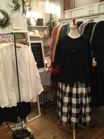 お洋服SALE_f0130593_12211109.jpeg