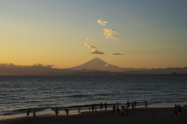 片瀬海岸からの笠雲_b0145398_19515160.jpg
