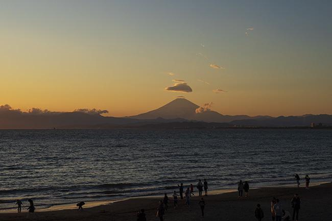 片瀬海岸からの笠雲_b0145398_19531361.jpg