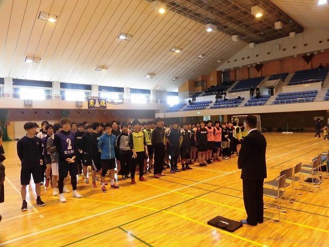 男女そろって県大会優勝を! 富士高ハンドボール部の2020年「初投げ」_f0141310_07530888.jpg