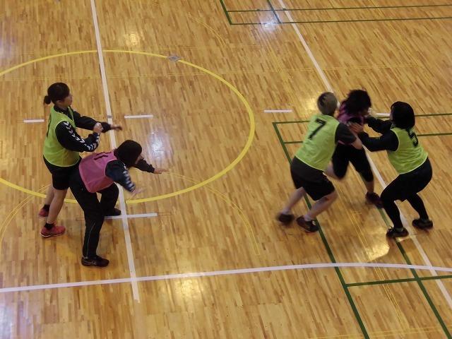 男女そろって県大会優勝を! 富士高ハンドボール部の2020年「初投げ」_f0141310_07534064.jpg