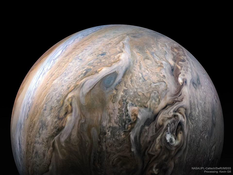 木星探査機ジュノーが捉えた神秘的な木星の姿_d0063814_16000357.jpg