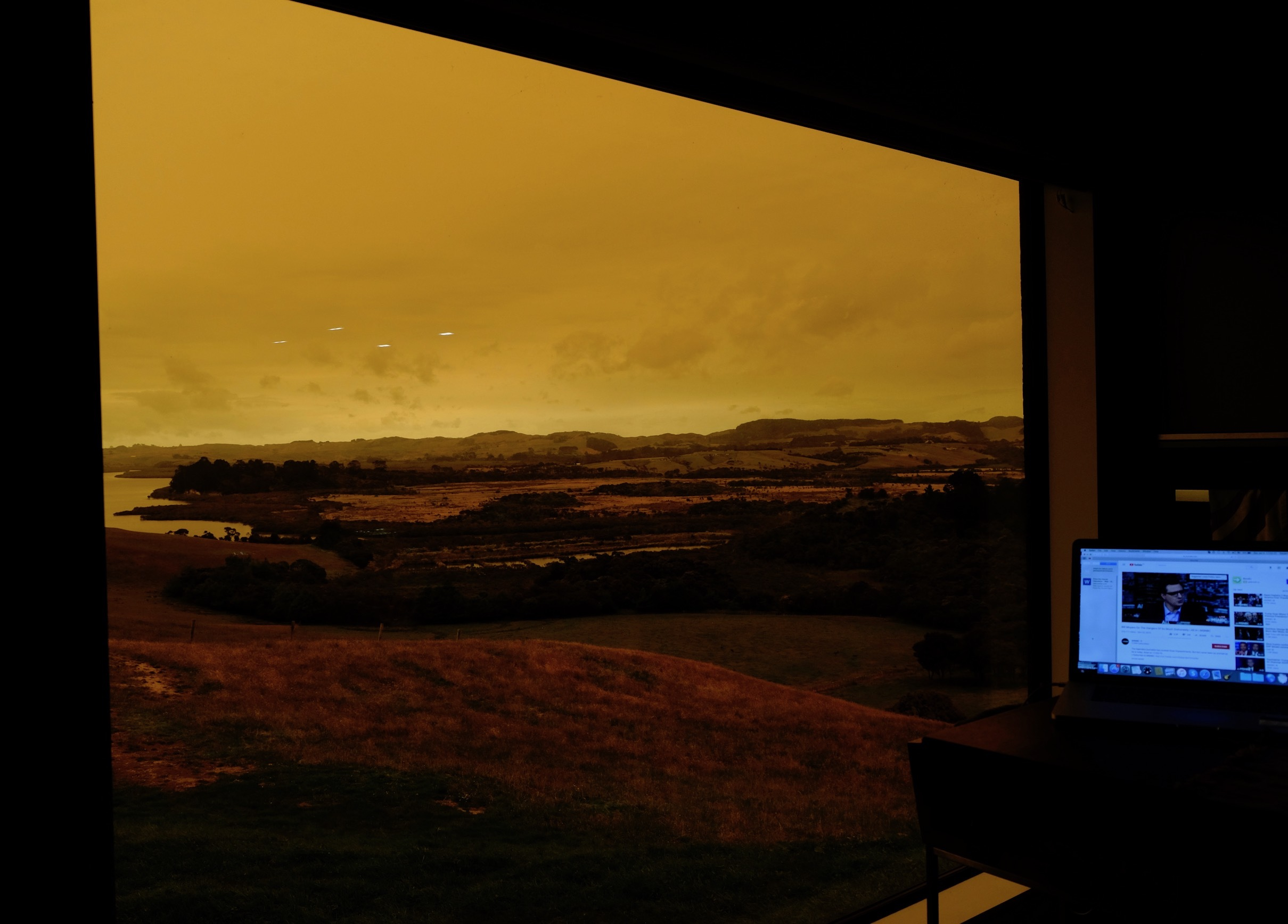 赤い空、グラスハウス、ログハウス内装/ Orange Sky, Glasshouse, Log Cabin Interior_e0310424_19105805.jpg