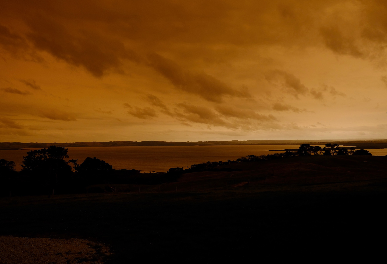 赤い空、グラスハウス、ログハウス内装/ Orange Sky, Glasshouse, Log Cabin Interior_e0310424_19110611.jpg