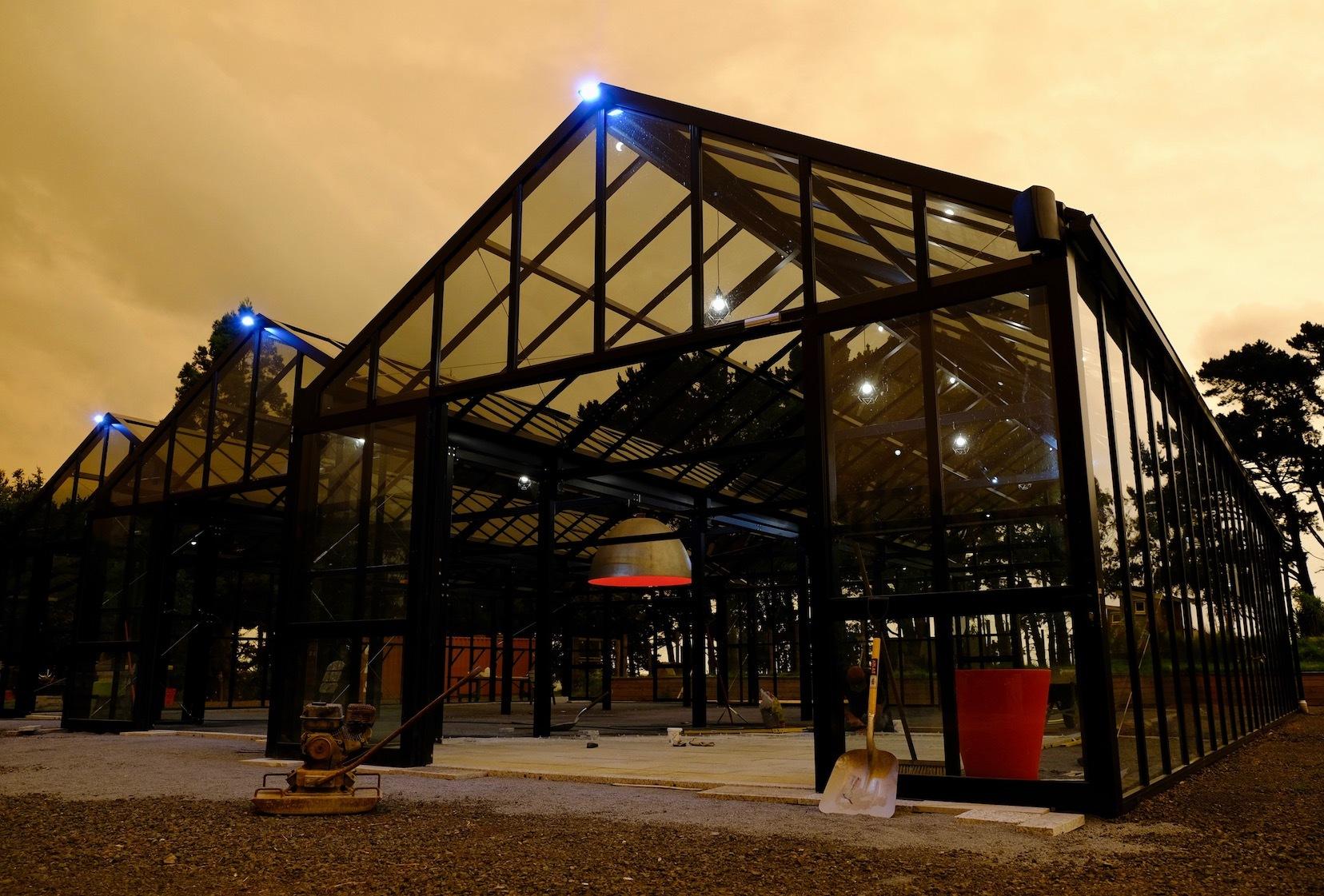 赤い空、グラスハウス、ログハウス内装/ Orange Sky, Glasshouse, Log Cabin Interior_e0310424_19113340.jpg