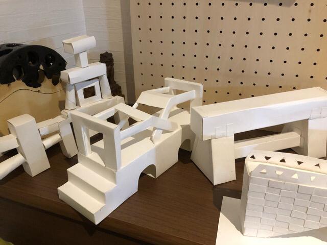 4つ切り画用紙を使って、橋を造る!!_f0373324_15521000.jpg