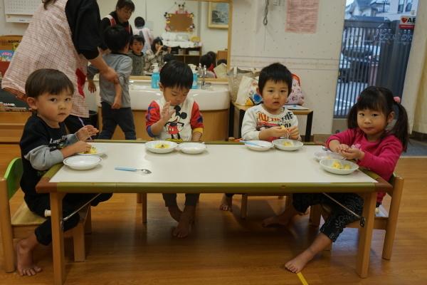 保育園 さつま芋団子レクリエーション_a0166025_16345704.jpg