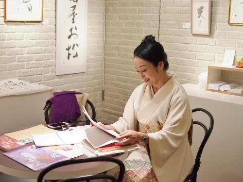 女優・二宮さよ子 書展がスタートしました!_e0195325_19161845.jpg
