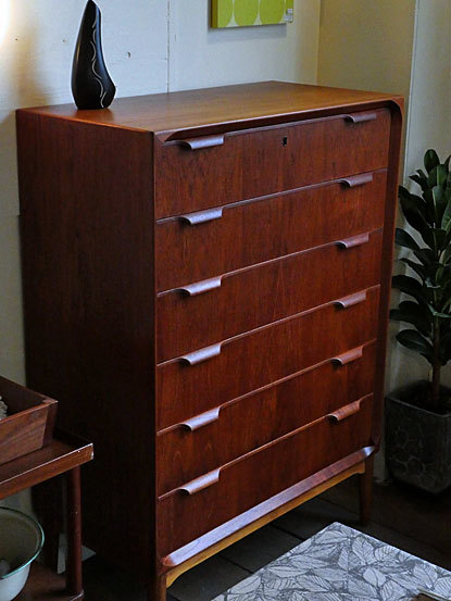 Chest of 6 drawers_c0139773_18130932.jpg