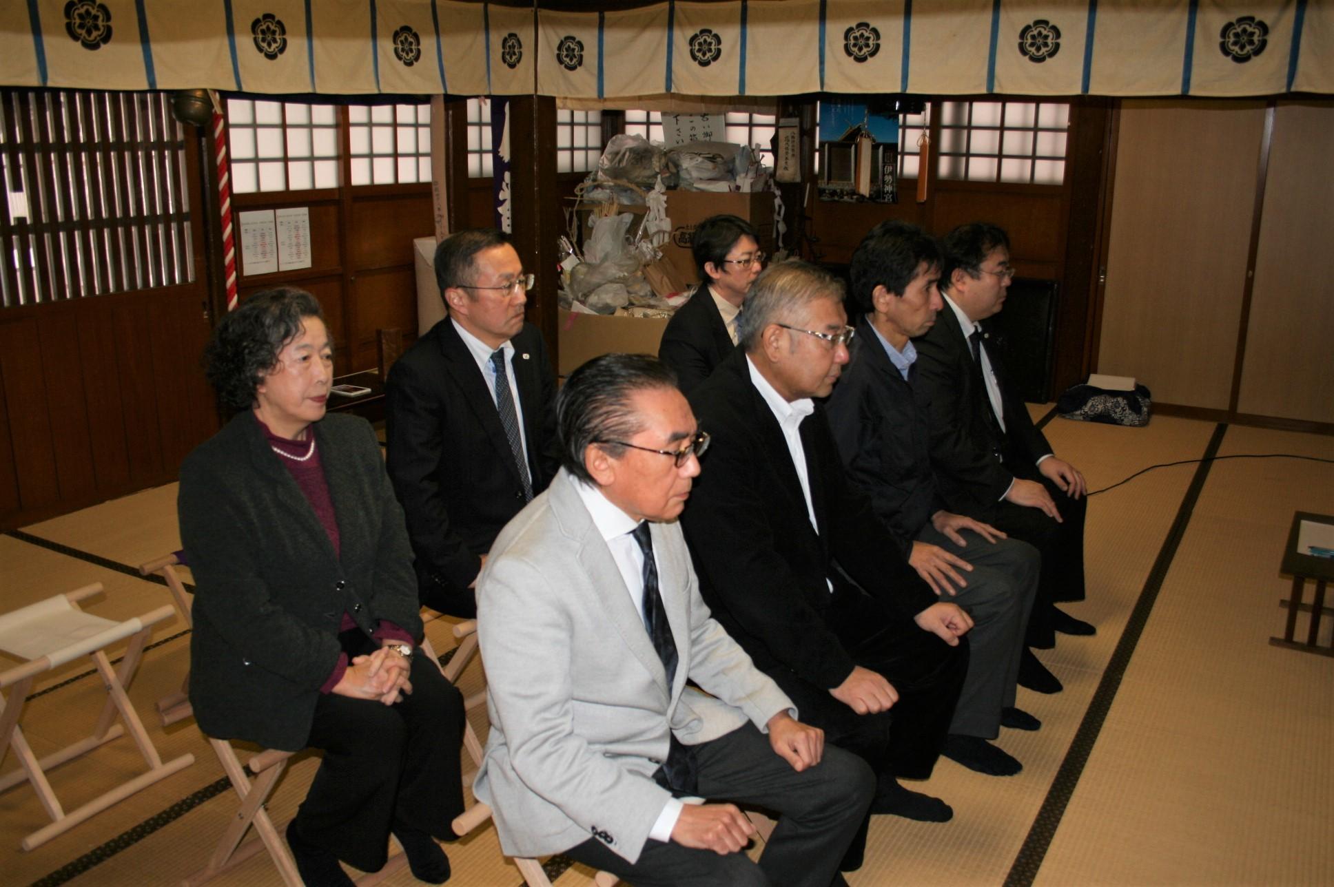 卸センター理事会で神社へ初詣に行きました。_f0141477_09254113.jpg
