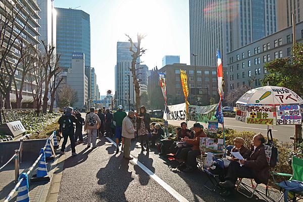 アベ政治を許さない 経産省前テントひろば 富士山_a0188487_10495236.jpg