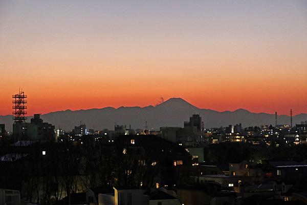 アベ政治を許さない 経産省前テントひろば 富士山_a0188487_10495788.jpg