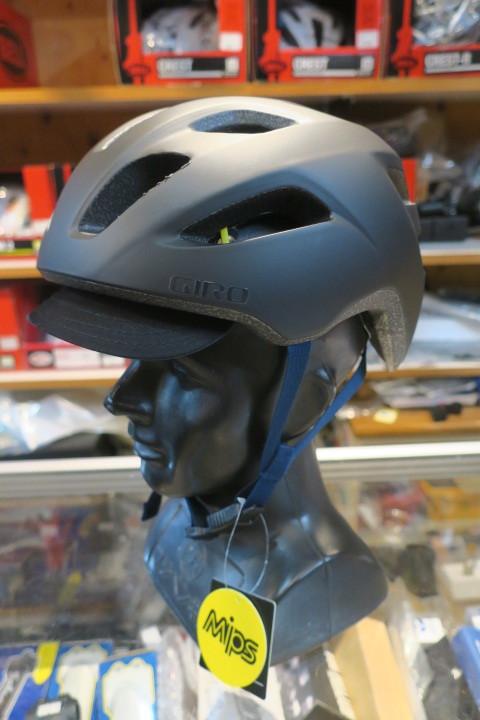 GIRO CORMICK MIPS ヘルメット 再入荷!_c0132901_20412008.jpg