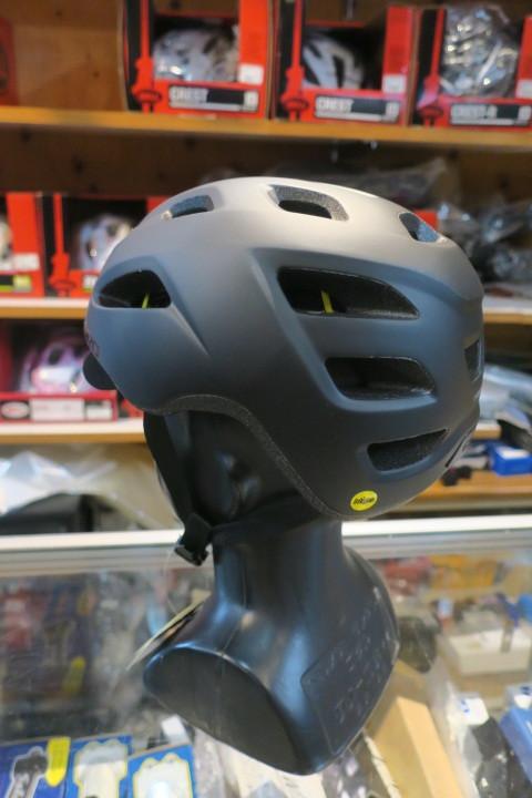 GIRO CORMICK MIPS ヘルメット 再入荷!_c0132901_20415777.jpg