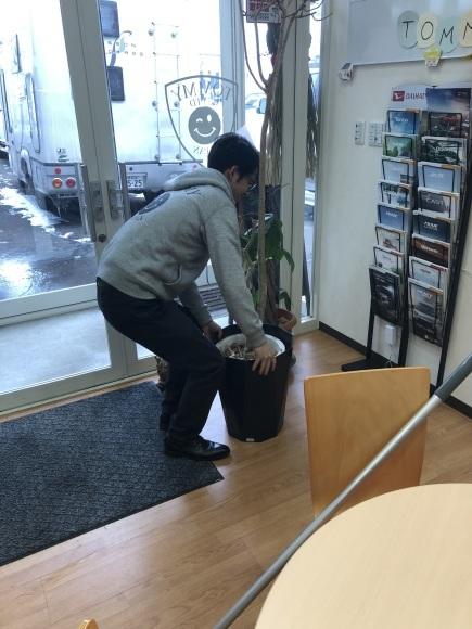 12月8日(水)除雪車あります!!! ☆ランクル エスカレード ハマー TOMMY☆_b0127002_17443957.jpg