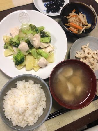 鶏肉とブロッコリーの炒め物_d0235108_21522330.jpg