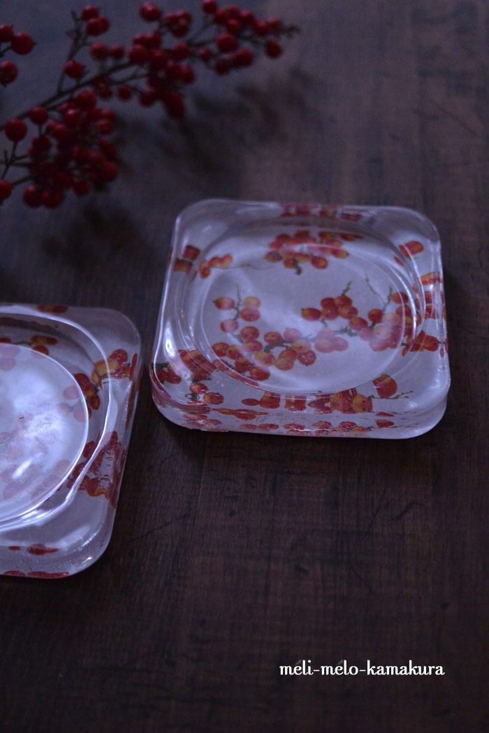 ◆デコパージュ*赤い実のガラストレー_f0251032_11522528.jpg