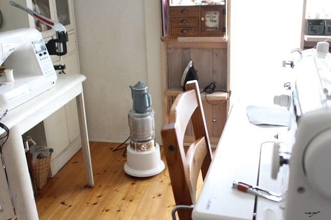 布小物制作中♪お洒落な電気ストーブでミシン部屋もヌクヌクです_f0023333_21430027.jpg