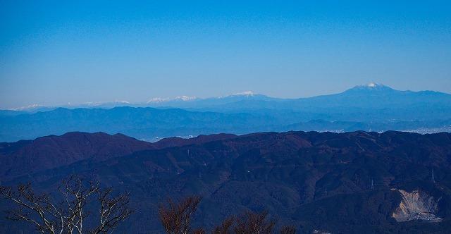 2019/11/21  【鈴鹿】御池 ~ ゴロ谷から薄雪のテーブルそしてアザミ谷 ~_e0403837_23120721.jpg