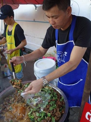 最近の中食(なかしょく)生活@バンコクのアパート_c0030645_00363556.jpg