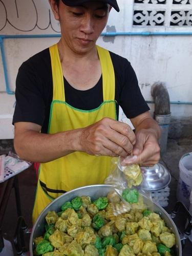 最近の中食(なかしょく)生活@バンコクのアパート_c0030645_00364623.jpg