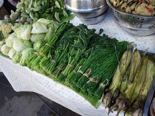 最近の中食(なかしょく)生活@バンコクのアパート_c0030645_00365257.jpg