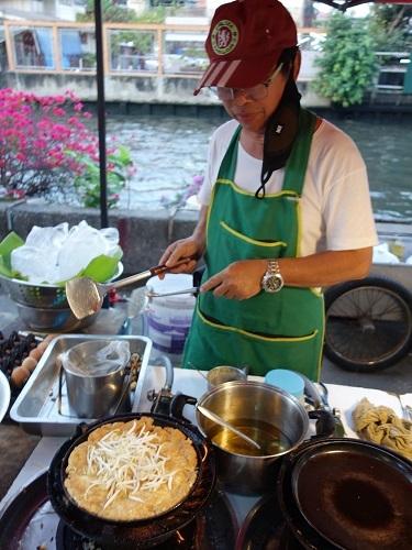 最近の中食(なかしょく)生活@バンコクのアパート_c0030645_00375073.jpg