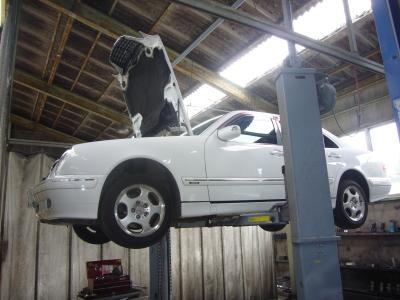 メルセデスベンツ E240 車検整備とAT整備_c0267693_18245722.jpg