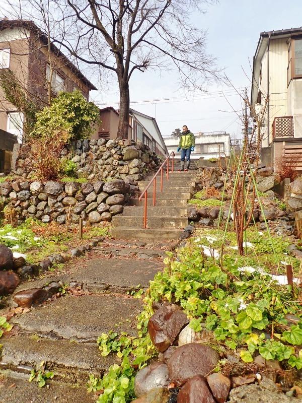 新参道の階段手すりを片付けました_c0336902_21120505.jpg