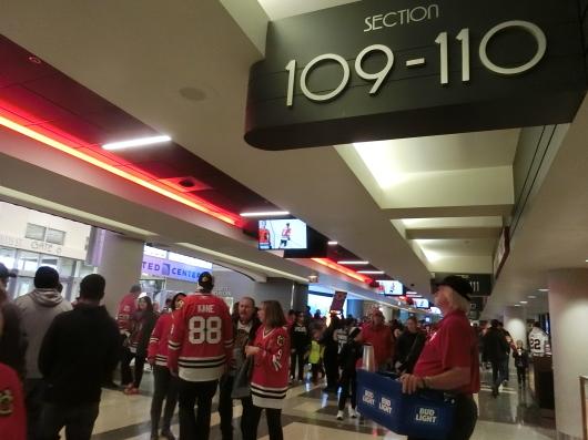 NHL観戦 ☆ シカゴ ブラックホークス VS カナダ in UNITED CENTER _e0303431_19012134.jpg