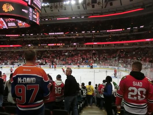 NHL観戦 ☆ シカゴ ブラックホークス VS カナダ in UNITED CENTER _e0303431_19104621.jpg