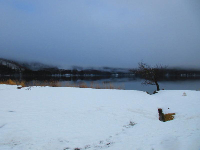 神秘的な青木湖_b0140235_11091168.jpg