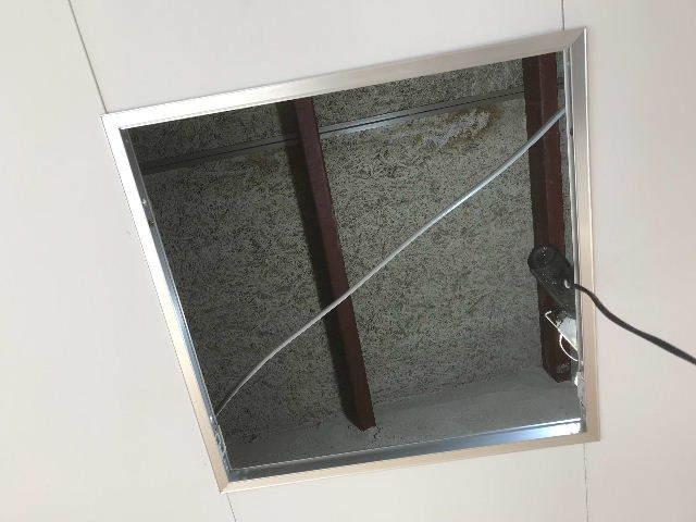腐食と鉄錆と雨水がシャワー_f0031037_19464627.jpg