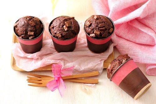 レシピ【混ぜるだけ!濃厚チョコレートカップケーキ】_a0165538_18180067.jpg