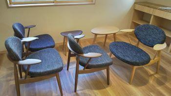やっぱり椅子でしょ(・_・D フムフム_c0146040_18335237.jpg