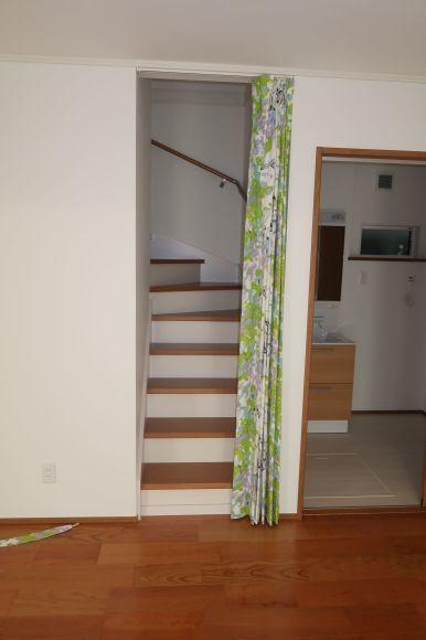 階段ホールの寒さを防ぐ+北欧デザインで!_e0133255_18420003.jpg