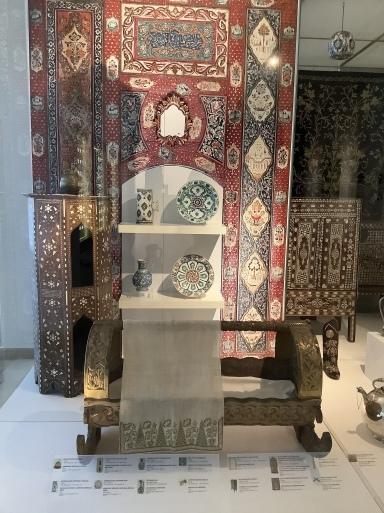 イスラム美術館は圧巻のコレクション_b0210699_02221708.jpeg