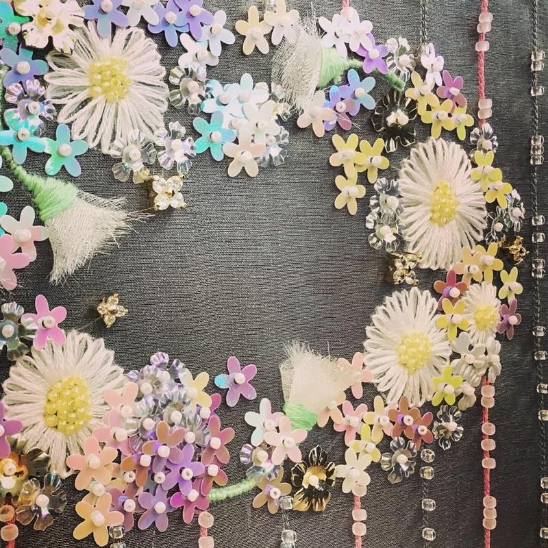 【 オートクチュール・リュネビル刺繍  】生徒さんの作品です。_c0357605_15543444.jpg