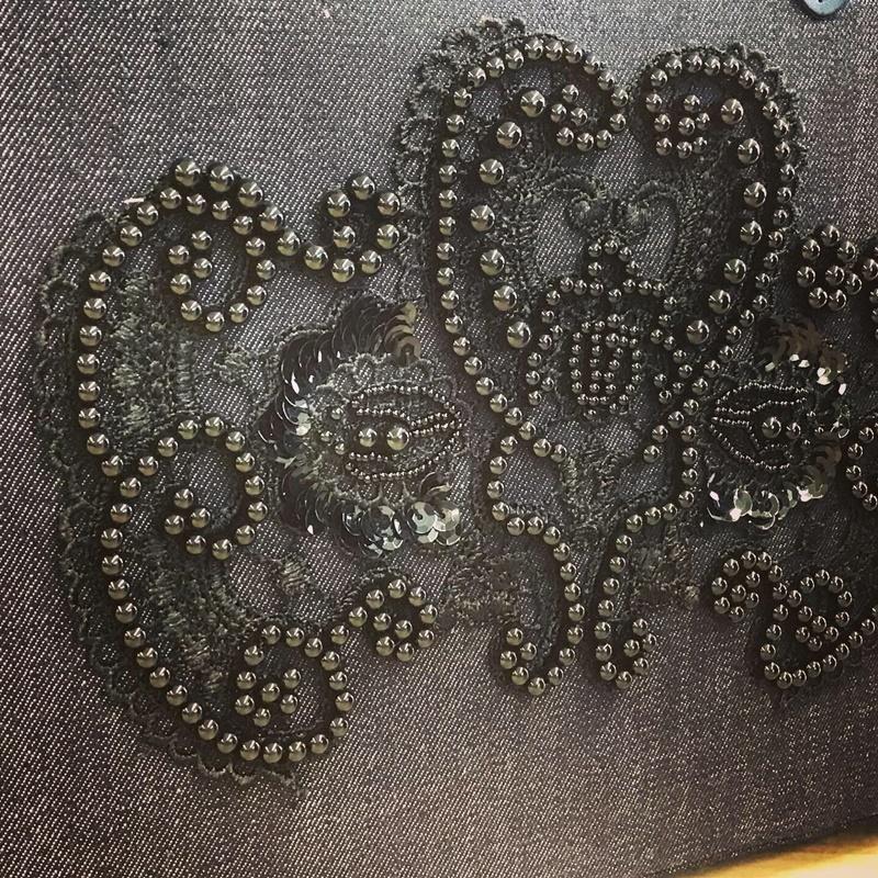 【 オートクチュール・リュネビル刺繍  】生徒さんの作品です。_c0357605_15545484.jpg