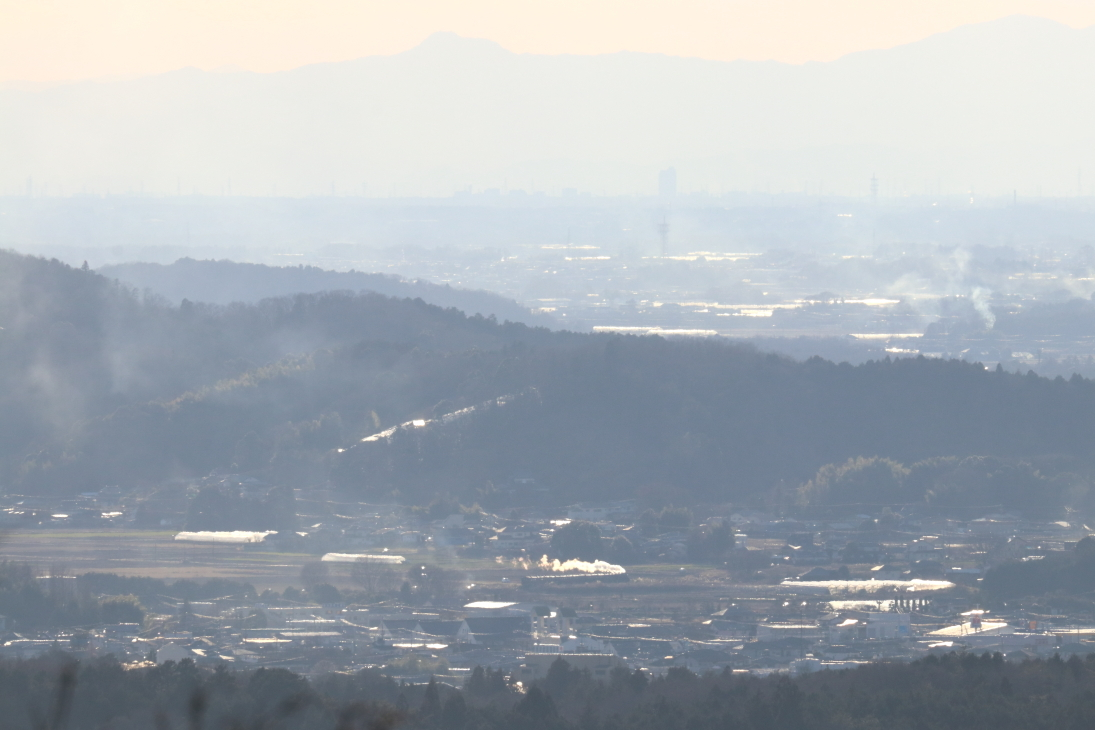 小貝川橋梁の先の白煙を遠望した冬の午後 - 2020年冬・真岡鉄道 -_b0190710_21422820.jpg