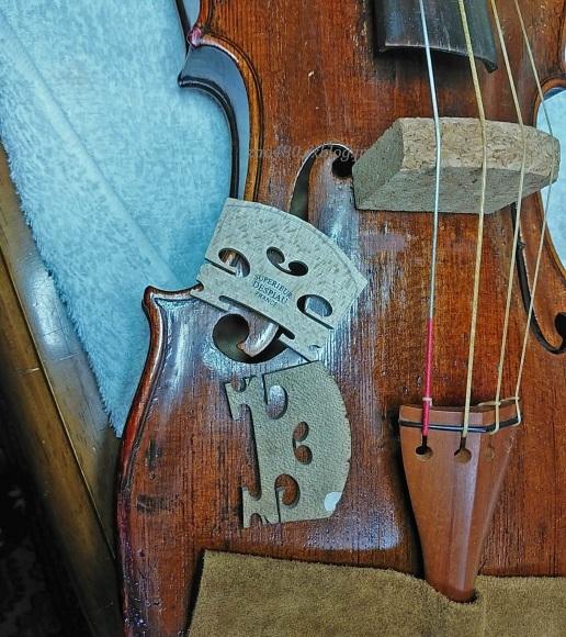 バイオリンの駒交換作業_a0304423_00225314.jpg