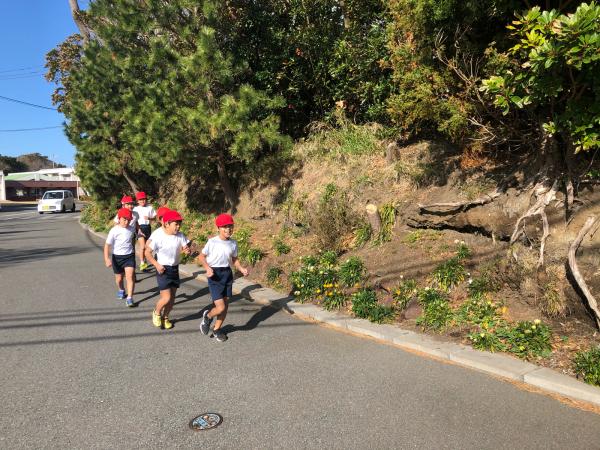 低学年のマラソン試走です!_a0131631_10421834.jpg