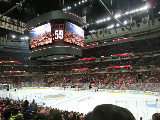 NHL観戦 ☆ ブラックホークス_e0303431_19245403.jpg