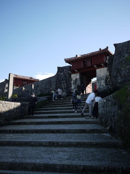 沖縄冬至越えの旅9 火災後の首里城へ_e0359436_10370110.jpeg