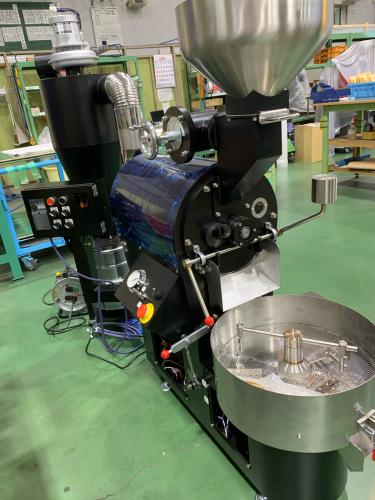 昨年の11月と12月は焙煎機と排煙処理装置の設置ラッシュでした。_c0020639_12452838.jpg