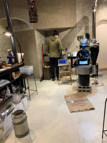 昨年の11月と12月は焙煎機と排煙処理装置の設置ラッシュでした。_c0020639_12453157.jpg