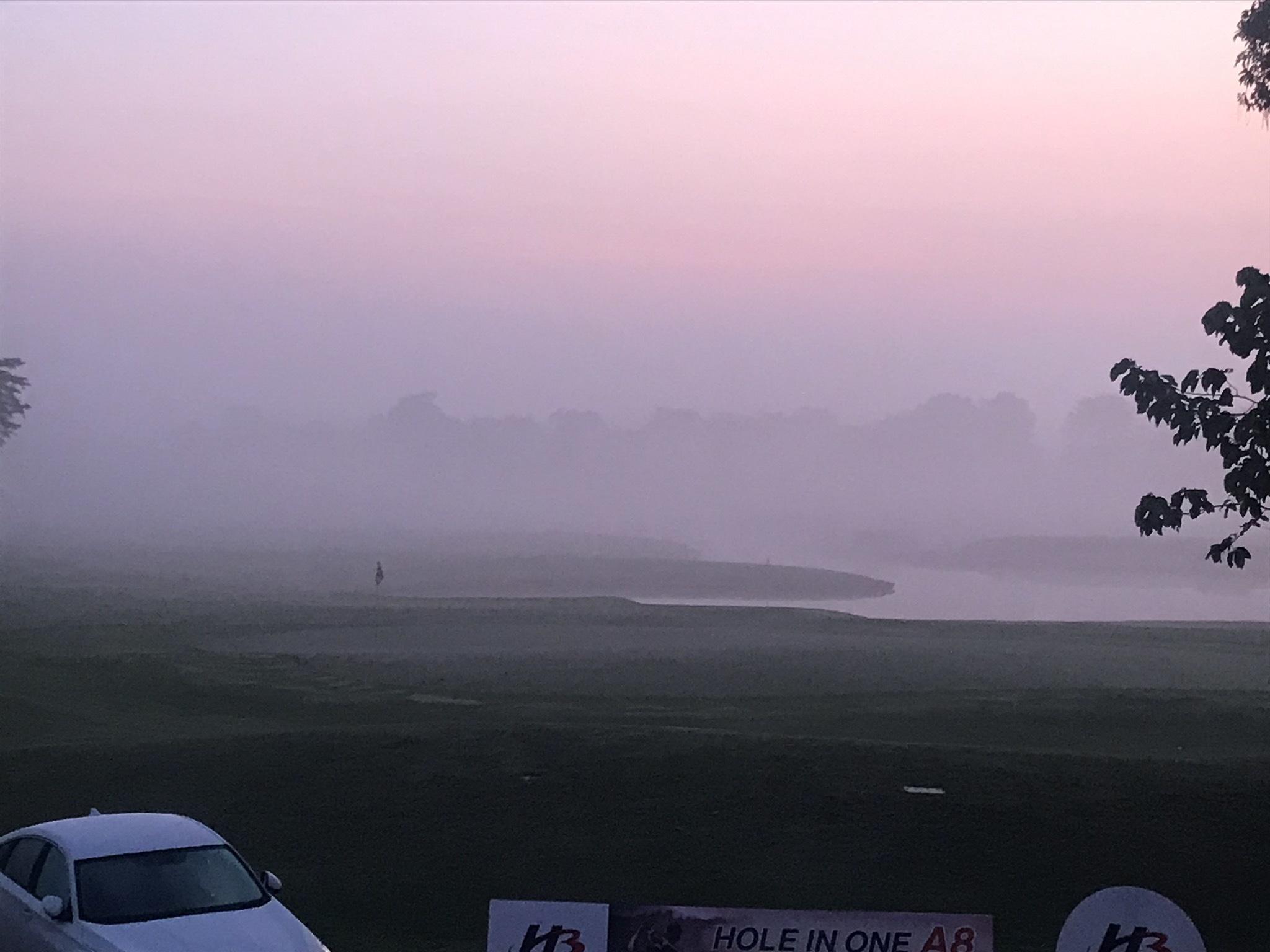 深い霧の中でスタート_b0100062_10473058.jpeg
