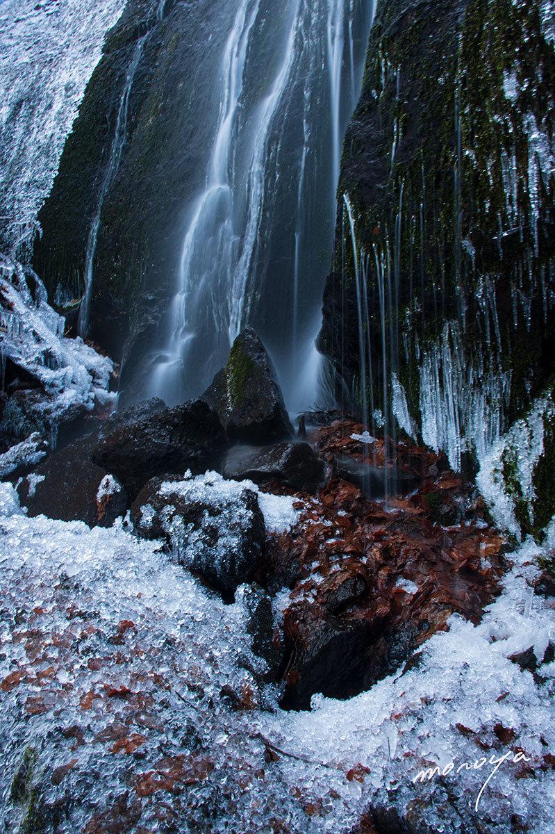 厳冬の滝_c0085877_06333352.jpg